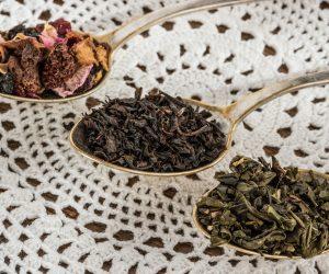 tea-leaf-1797125_1920